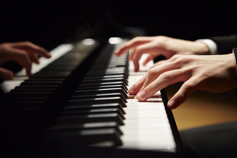 Accompagnamenti Al Pianoforte Per Le Canzoni Moderne
